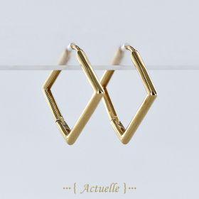 Smooth square hoop earrings